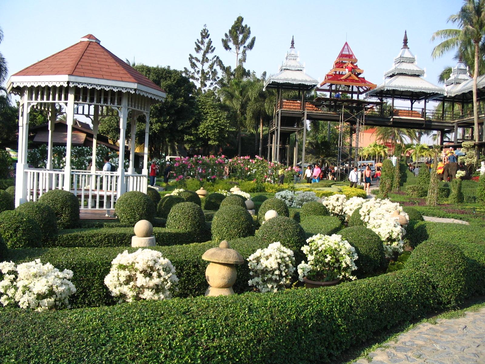 http://www.moisseenko.su/photo/Cambodia-Thai/Nooch/IMG_4627.JPG