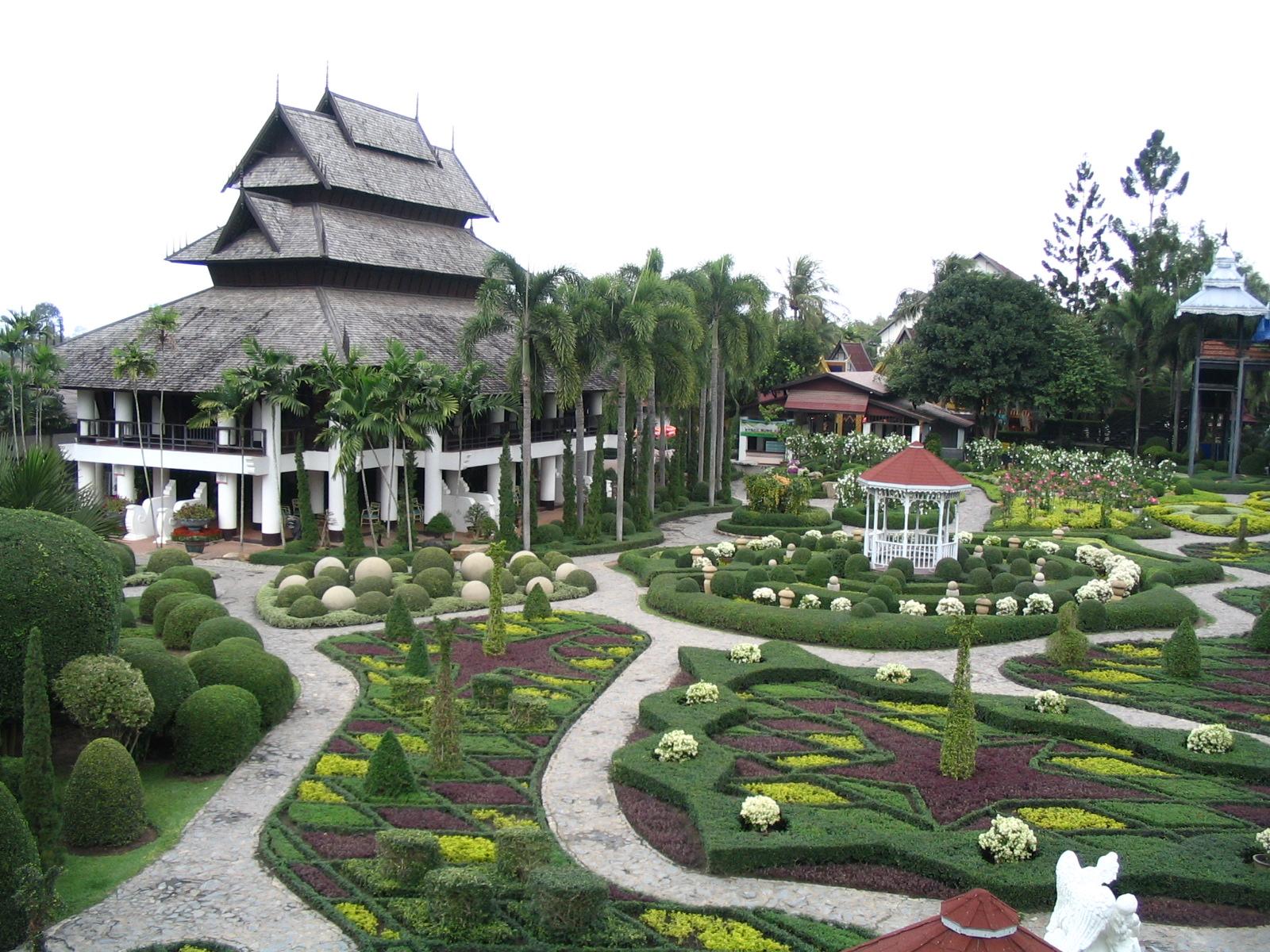 http://www.moisseenko.su/photo/Cambodia-Thai/Nooch/IMG_4869.JPG